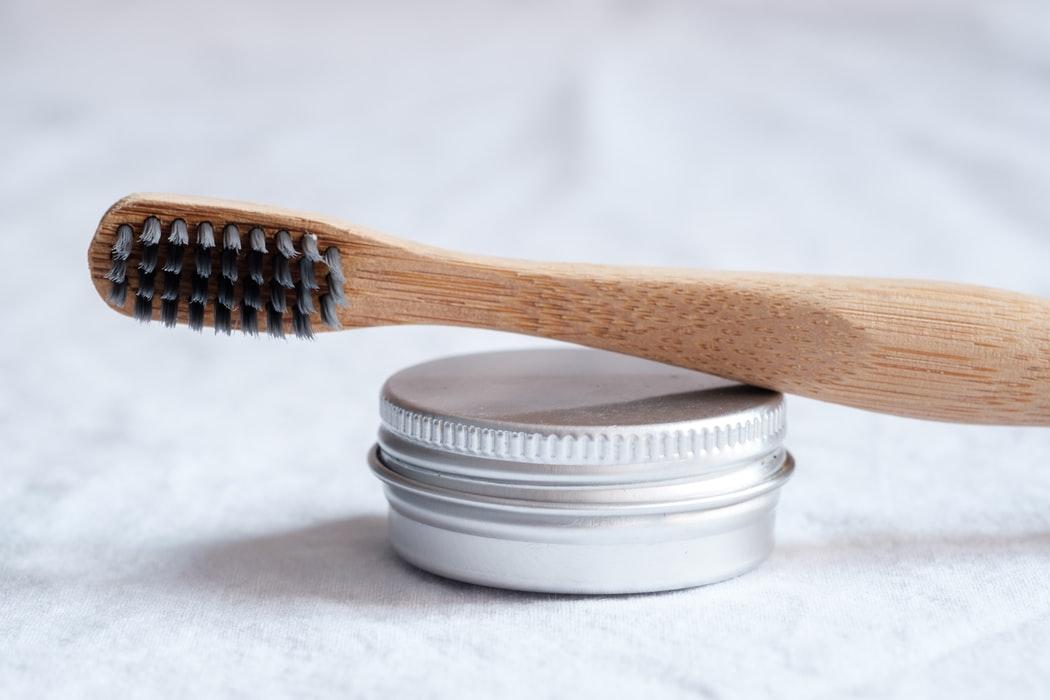 pasta de dientes sin fluor y natural